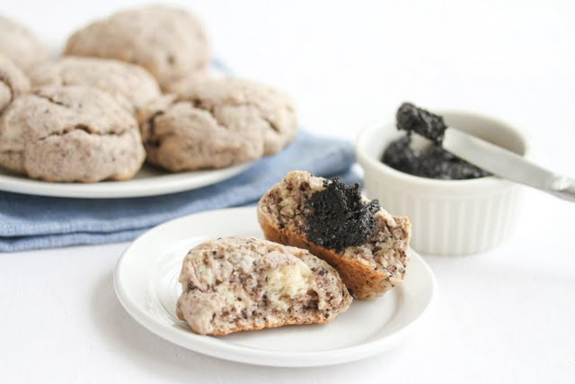 photo of an cookies and cream scone with oreo spread