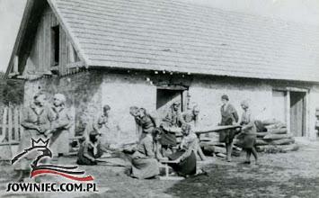Photo: Łoszniów 1930 r. Przy pracy... (Dar Joanny Chmiel-Broczyner, Kraków 1978 r.).