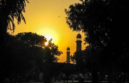 Keutamaan Puasa di Bulan Ramadhan Berdasarkan Sunnah dan Hadits