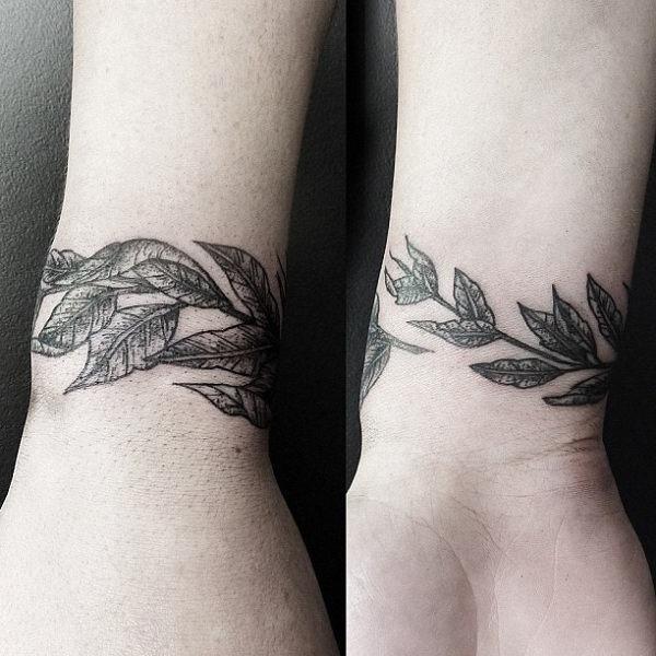 esse_envoltrio_em_torno_do_pulso_de_tatuagem