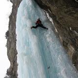 kandersteg-ice-climbing.jpg