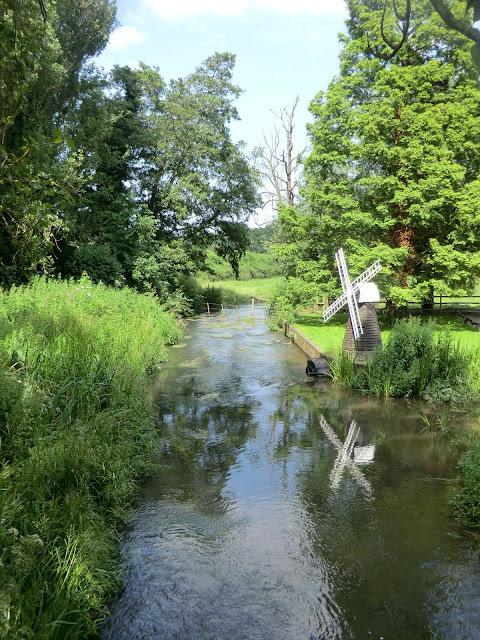 CIMG7499 River Darent at Castle Farm