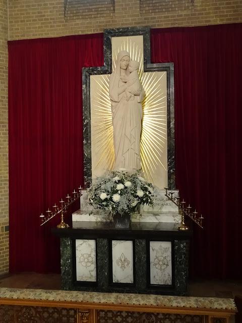 Maria altaar H.H. Engelbewaarderskerk - DSC04415.JPG