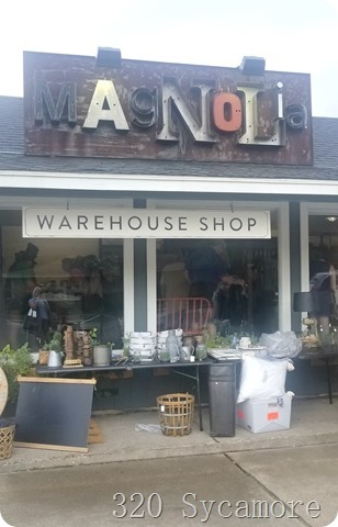 magnolia warehouse shop on bosque