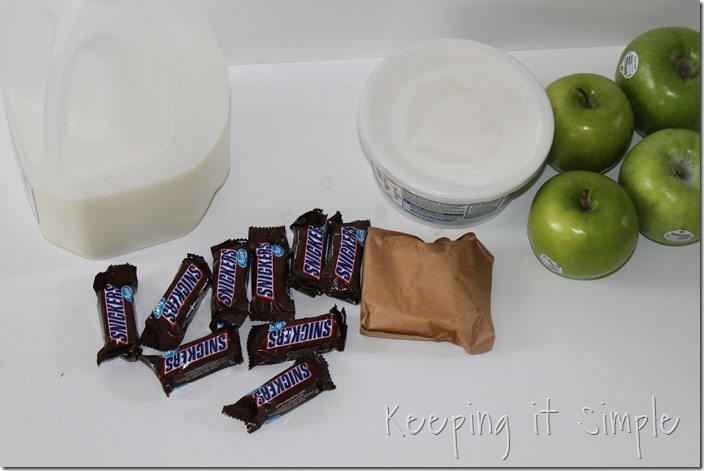 #ad SNICKERS®-Apple-Salad-Served-in-a-Frankenstein-apple #BooItForward (2)