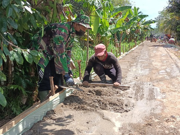 Perubahan Jalan Dusun Maju Jaya Berkat Kegigihan Satgas TMMD Ke-111 Kodim 1207/Pontianak dan Masyarakat Setempat