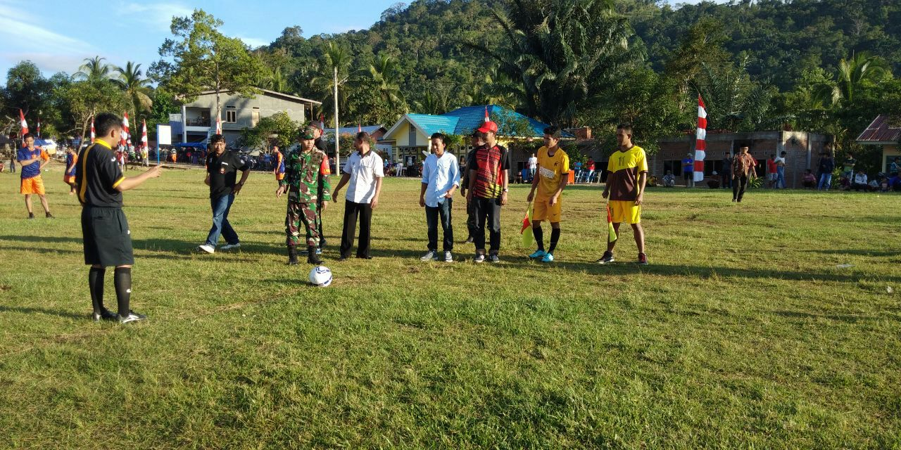 Pertandingan Sepak Bola Semarakkan TMMD Ke 105 Kodim 1424/Sinjai