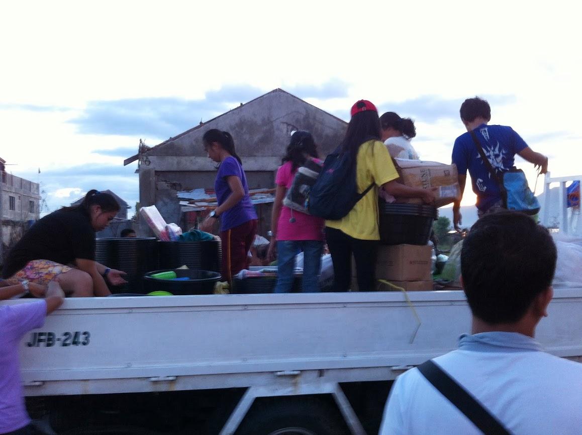 https://lh3.googleusercontent.com/-gjY6sB_P9-o/UtjqzhD16NI/AAAAAAAADOY/4S9VTI5MVuk/w1158-h865-no/san-jose-tacloban-relief-010.jpg