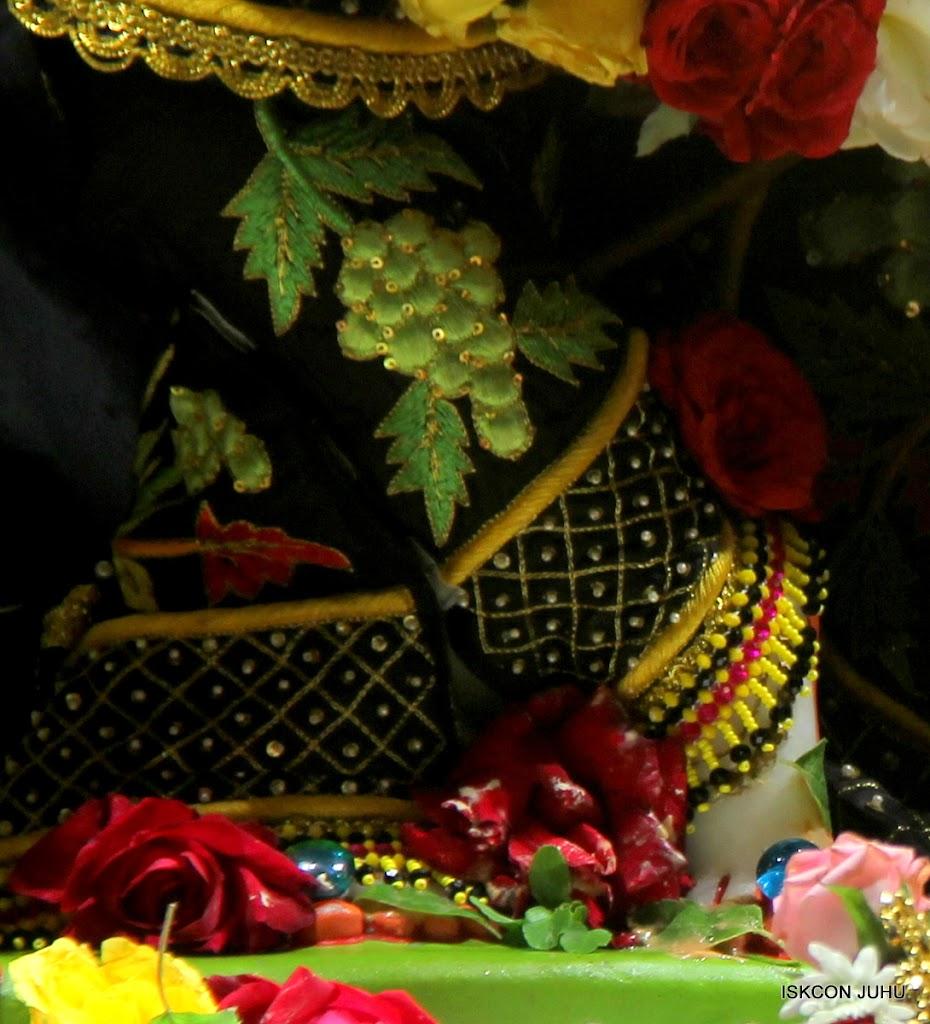 ISKCON Juhu Sringar Deity Darshan on 2nd July 2016 (15)