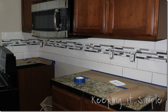 how-to-install-a-kitchen-backsplash-with-wavecrest-tile (16)