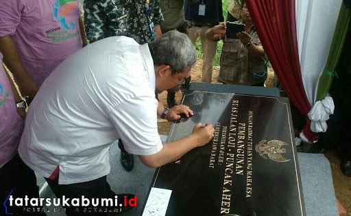 Monumen Puncak Aher, Puncak Darma, Curug Cimarinjung dan Jalan Loji - Palangpang Geopark Ciletuh Diresmikan Gubernur Jabar