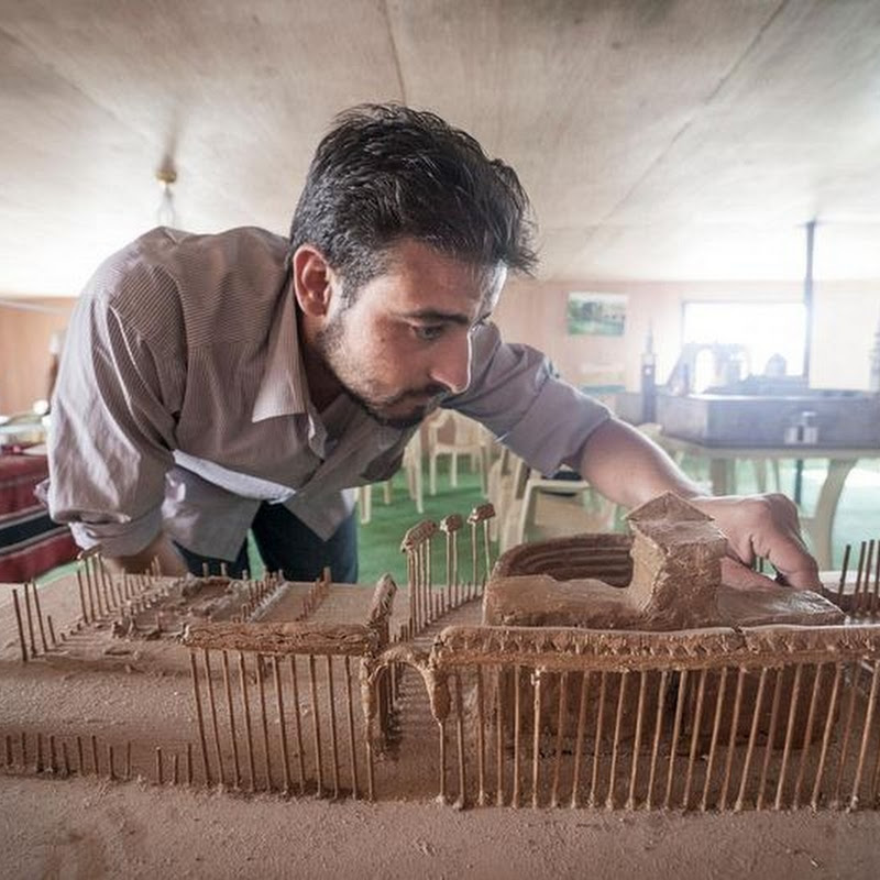 Syrian Refugees Build Miniature Replicas of Country's Destroyed Monuments