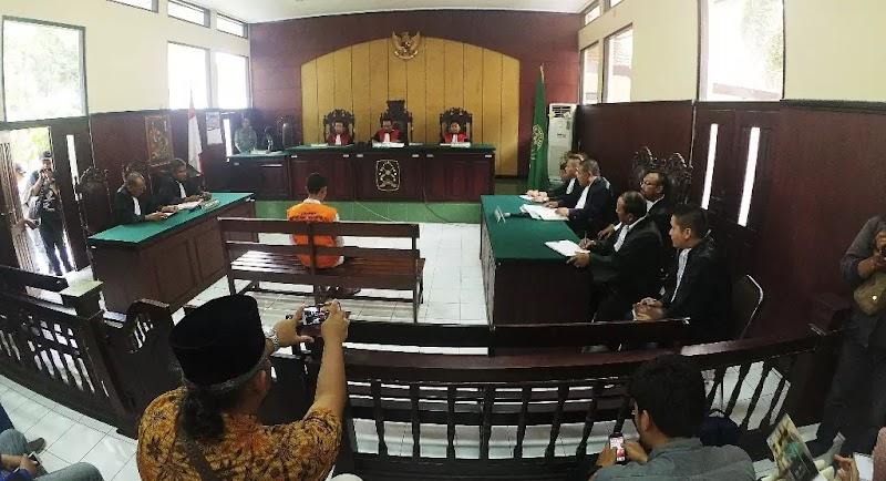 Kang Pudin, Guru Ngaji Yang Didakwa Sebagai Penadah Setelah Beli HP dari Media Online, Akhirnya Dinyatakan Bebas
