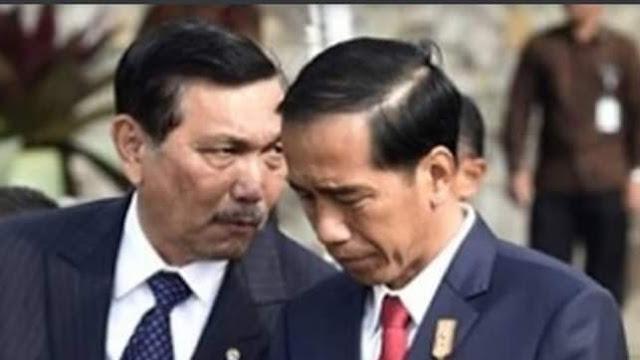 Foto: Luhut Binsar Pandjaitan dan Jokowi. Luhut Beberkan Strategi Keluar dari Pandemi Virus Corona.