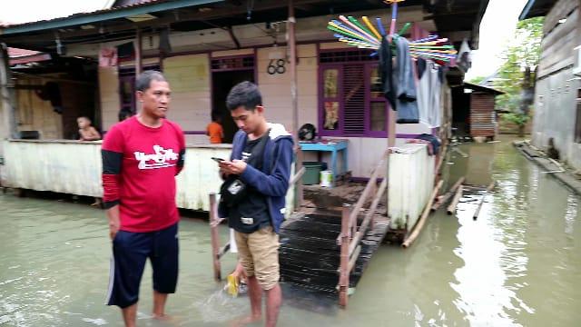 Pilih Kasih, Warga Tempe Keluhkan Pembagian Bantuan Banjir yang Tidak Merata
