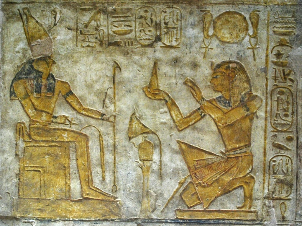 wadi-es-sebua-ramesses-ii-offers-to-horus