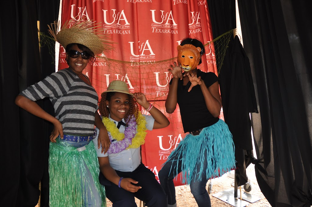Genoa Central, Fouke, and Arkansas High visit UACCH-Texarkana - DSC_0159.JPG
