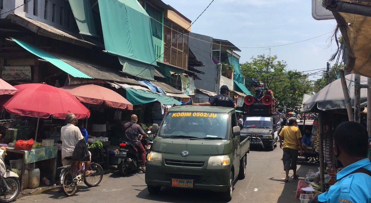 Kodim 0502/Jakarta Utara Woro-Woro Protokol Kesehatan di Pusat Keramaian dan Pasar