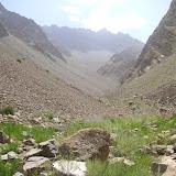 Gorge de Gishkun (Monts Vanj) circa 2000 m : biotope de Paragrodiaetus dagmara GRUM-GRSHIMAÏLO, 1888. Photo J.-M. Desse (juillet 2008).