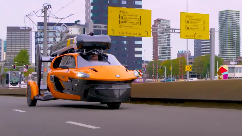 Prvi leteci auto na svijetu, spreman da krene na ceste.