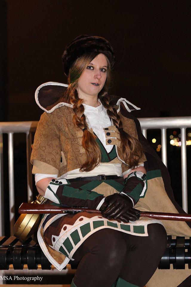 Aurora Maryte hóa thân thành Emily Burke