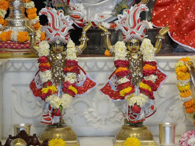 ISKCON Ahmedabad Deity Darshan 23 April 2016 (9)
