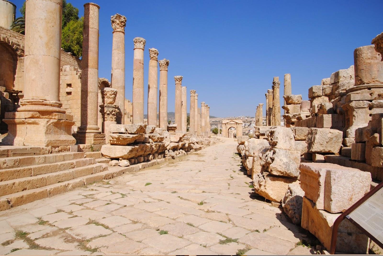 My Photos: Jordaon -- Jerash -- The Cardo Miximus