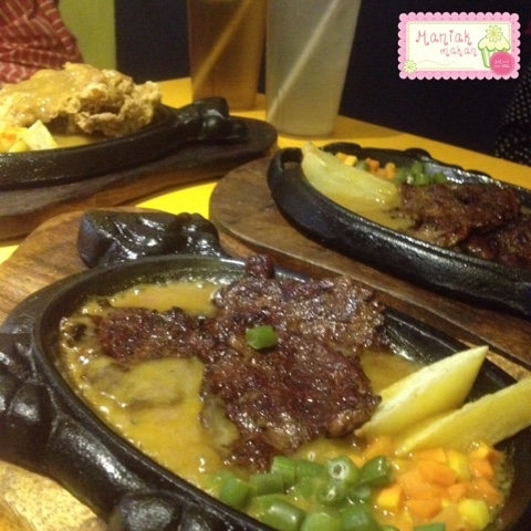 maniak-makan-kampung-steak-and-blend-solo-sirloin-tenderloin-steak-original