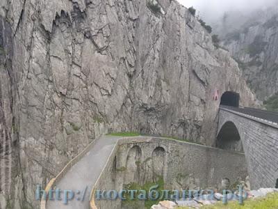 перевал Сан-Готтард, Gotthardpass, Passo del San Gottardo, Col du Saint-Gothard, Музей Сассо Сан Готтард, Museo Sasso San Gottardo, Крепость Sasso da Pigna, Festung Sasso da Pigna, Чертов мост, Teufelsbrucke, Валенсия Москва 2015, Южный маршрут, по Европе на автомобиле, на машине в Испанию, путешествие по Европе, путешествие на автомобиле, Россия, Испания, автопутешествие, КостаБланкаРФ, Moscu, Valencia, Spain, España, Rusia, Москва Валенсия, auto viaje, дороги Швейцарии, Швейцария, Schweiz, Suiza, Часть 4