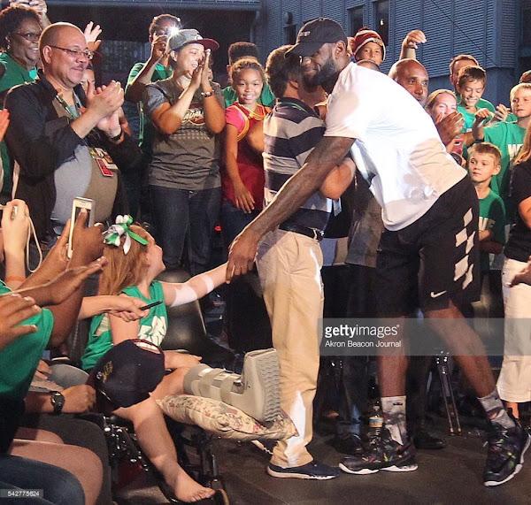 Nike LeBron 13 Low Championship Parade