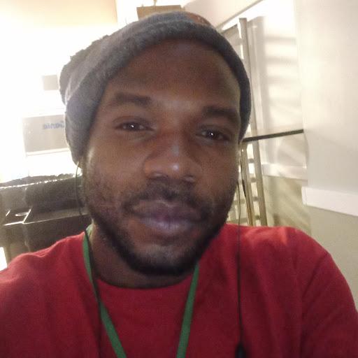 user Victor Evans apkdeer profile image