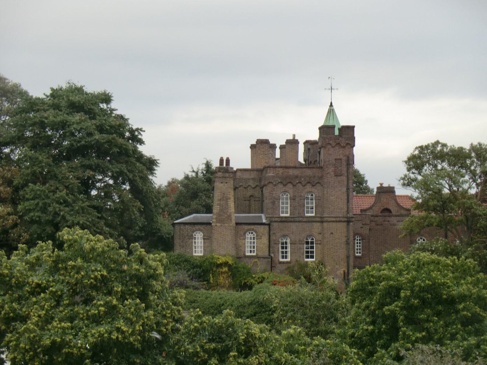 CIMG5088 Vanbrugh Castle