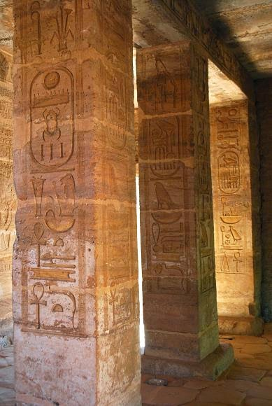 amada-names-of-amenhotep-ii-and-thutmose-iii