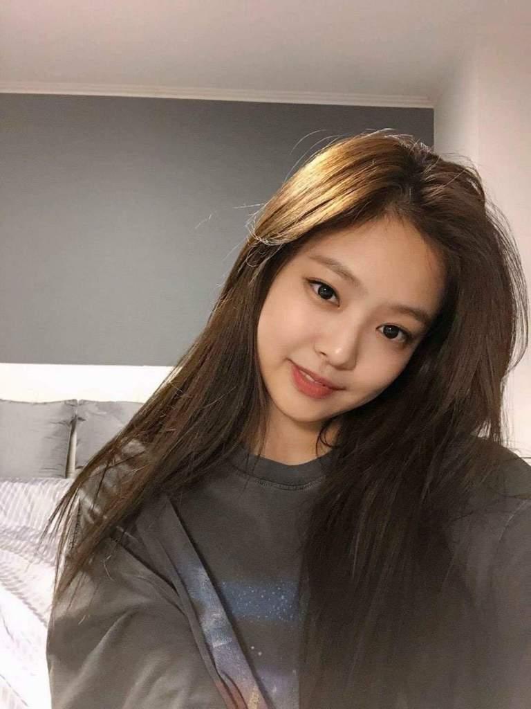 jennie selfie game 1