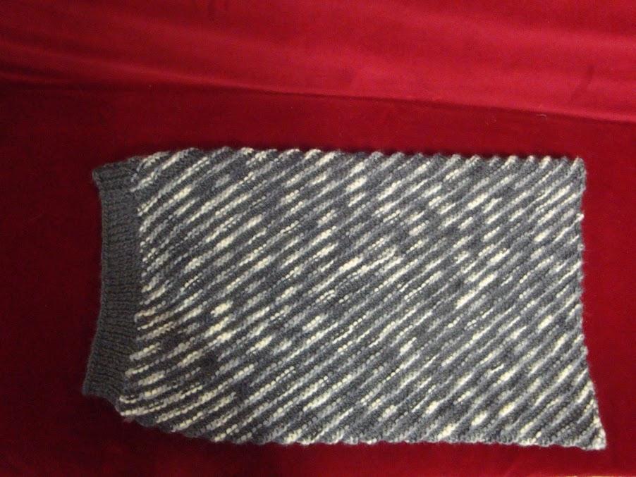 Provocare tricotat nr. 2 - Cadou de Mos Craciun - Pagina 7 DSC07379