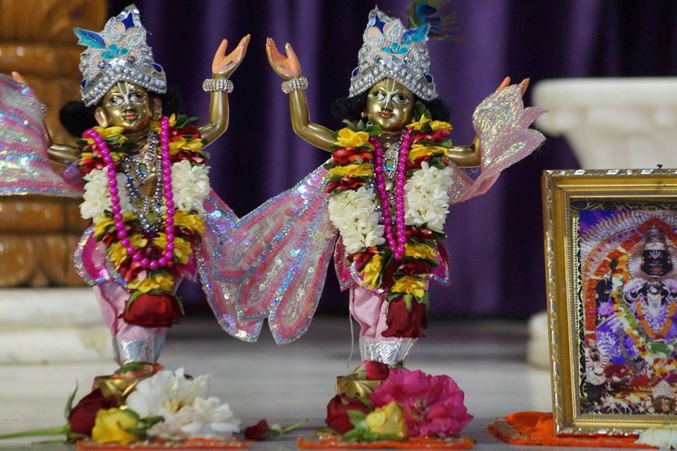 ISKCON Noida Deity Darshan 28 Mar 2016  (2)