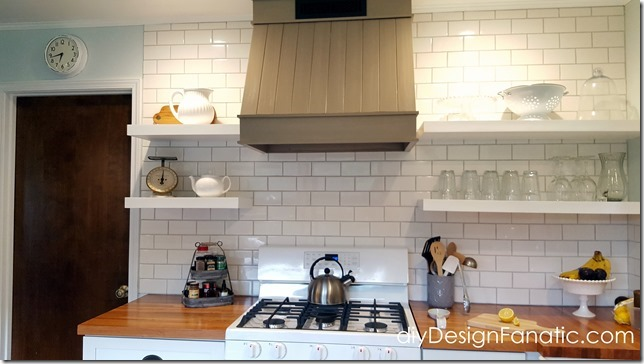 mountain cottage kitchen, farmhouse kitchen, open shelves, wood hood, cottage style, farmhouse style
