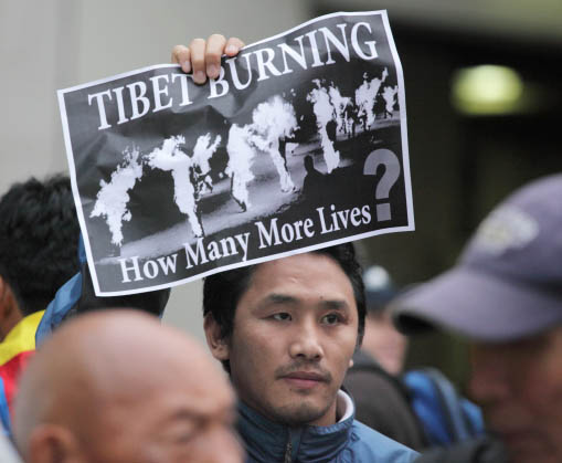 10/19/11 Tibet is Burning! Candle Vigil for Tibet - cc%2B011810-19%2BTibet%2B72dpi.jpg