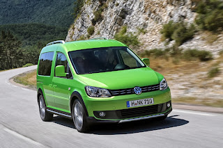 2013-Volkswagen-Cross-Caddy-3