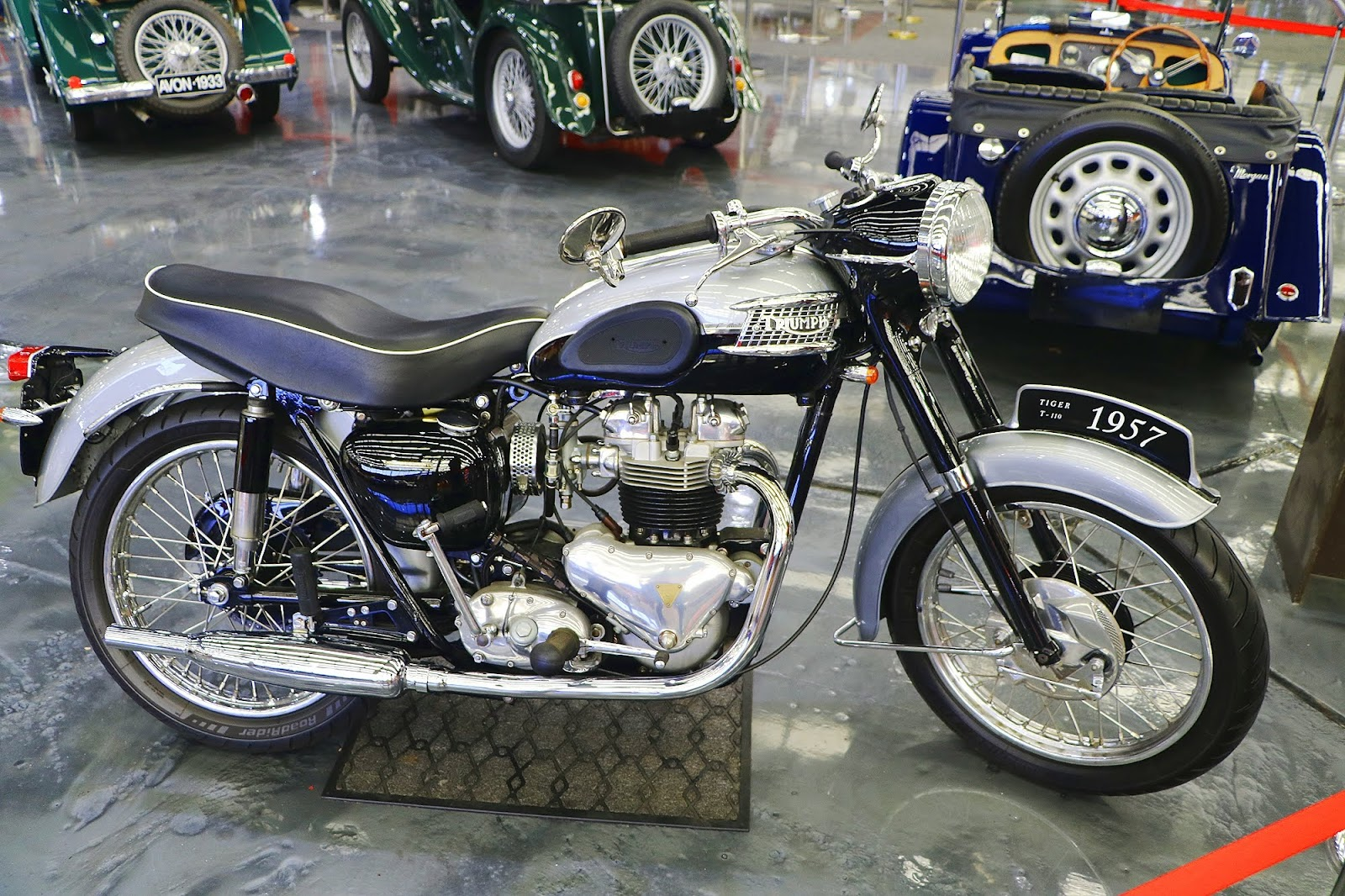 1956 Triumph Tiger 650 (01).jpg