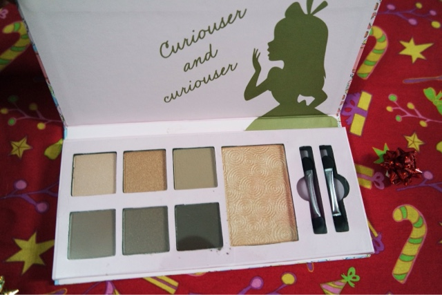 Disney Alice Make Up Palette
