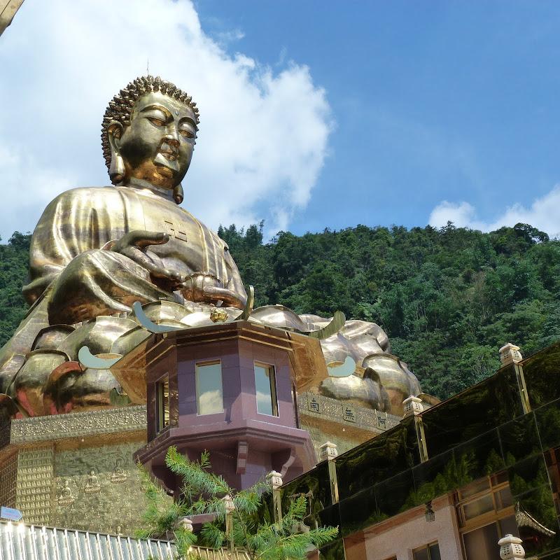 Puli. Divers et Golden Buddha.J 12 - P1170590.JPG