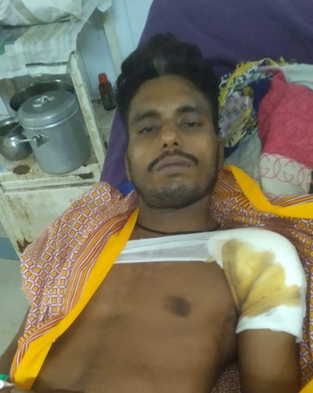 सोए अवस्था में अज्ञात अपराधियों ने मारी गोली , इलाके में दशहत मायागंज रेफर