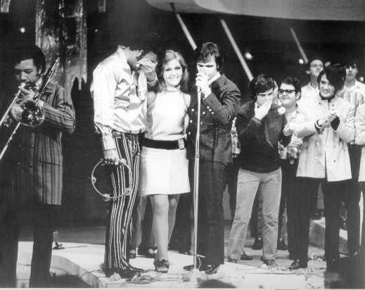 Comandado por Roberto Carlos, Erasmo Carlos e Wanderléia, a Jovem Guarda foi um movimento que mesclou música, moda e comportamento.