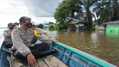 Waka Polres Sekadau Cek Banjir di Desa Tanjung