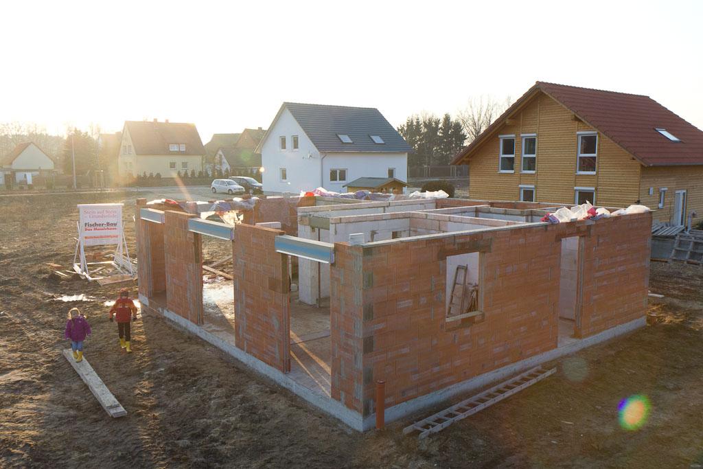 Haus bauen baustelle  Sandra und Alexander bauen ein Haus: +39 Tage: Erdgeschoss-Rohbau ...