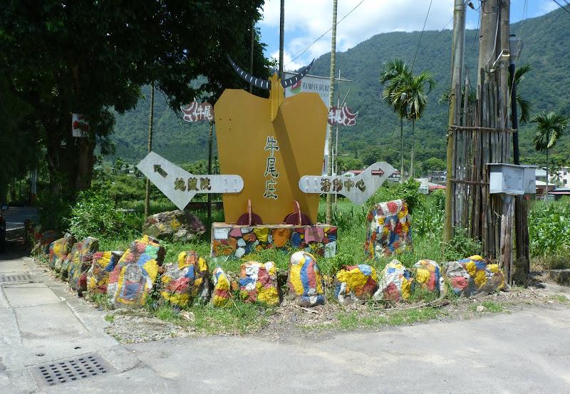 Puli. Divers et Golden Buddha.J 12 - P1170551.JPG