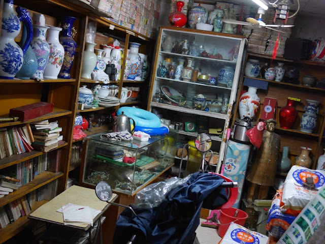 inside the Wuya Lane Old Book Room (吾牙巷旧书房) in Shaoguan