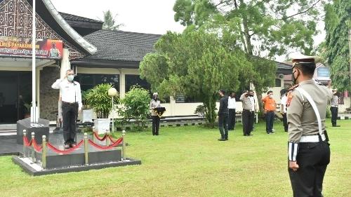 Wali Kota Payakumbuh DIdaulat Pemimpin Apel Pelaksanaan Gelar Pasukan Operasi Ketupat Tahun 2021