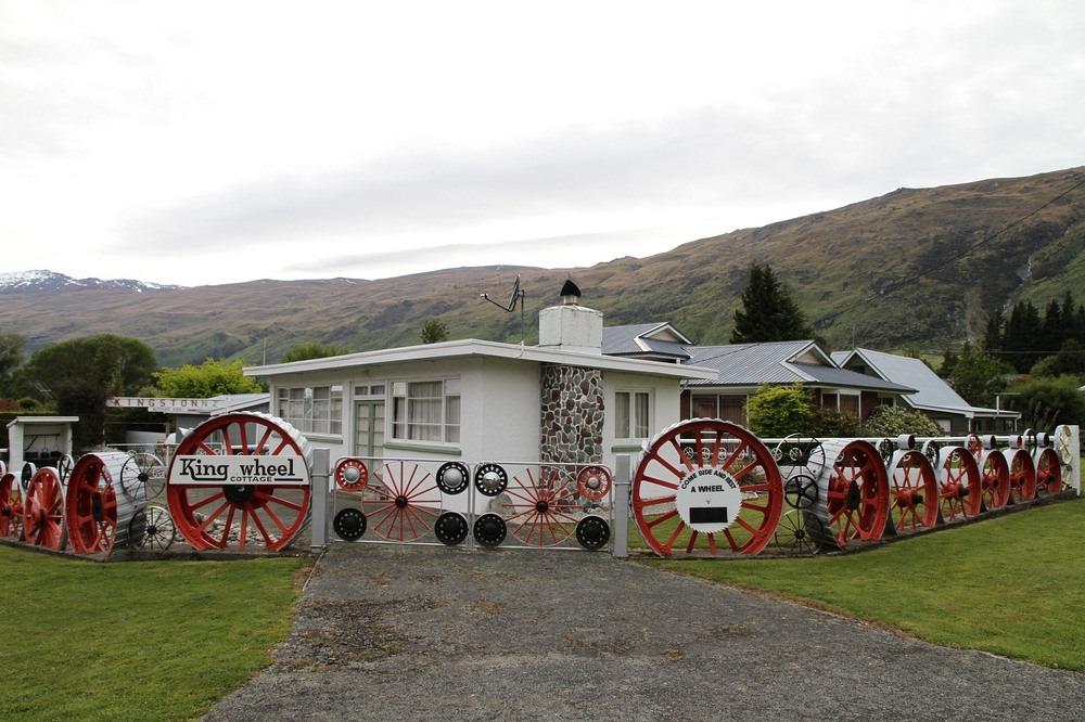 king-wheel-cottage-1